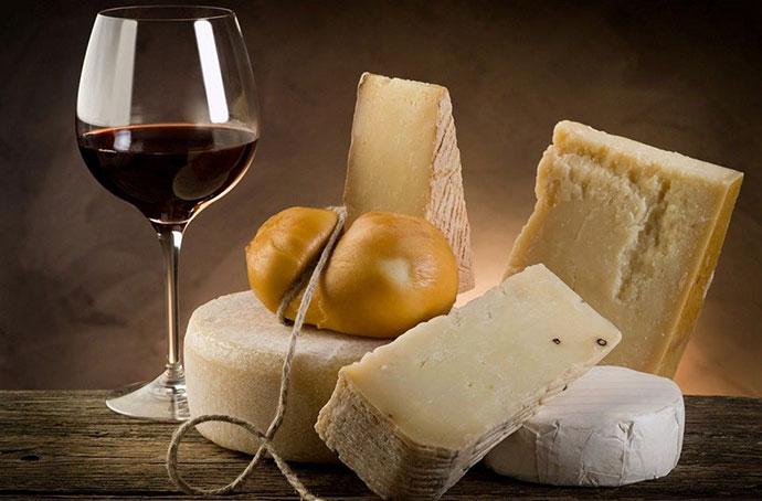 Эногастрономические туры (Мантуя). Фото вина и сыра