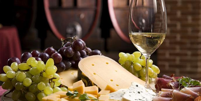 Гастрономические туры (Болонья). Фото вина и продуктов