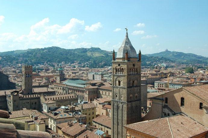 Лицензированный гид в Болонье. Фото города